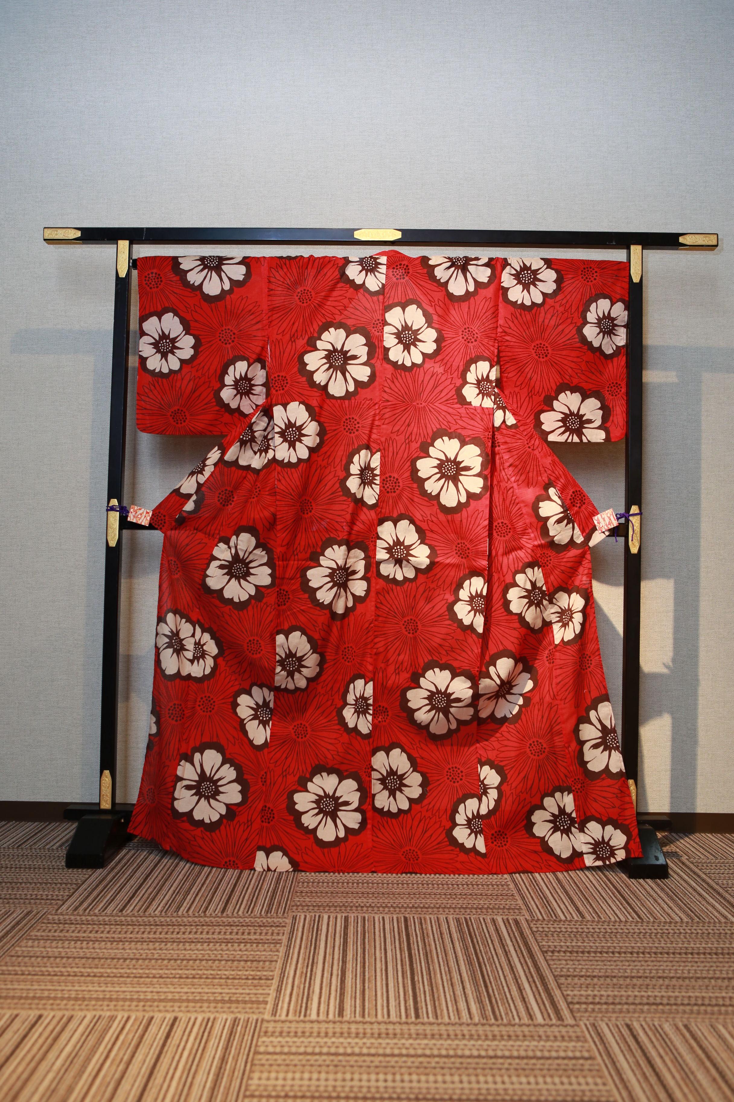 赤紅 花柄スミレ レンタルゆかた 高級綿絽