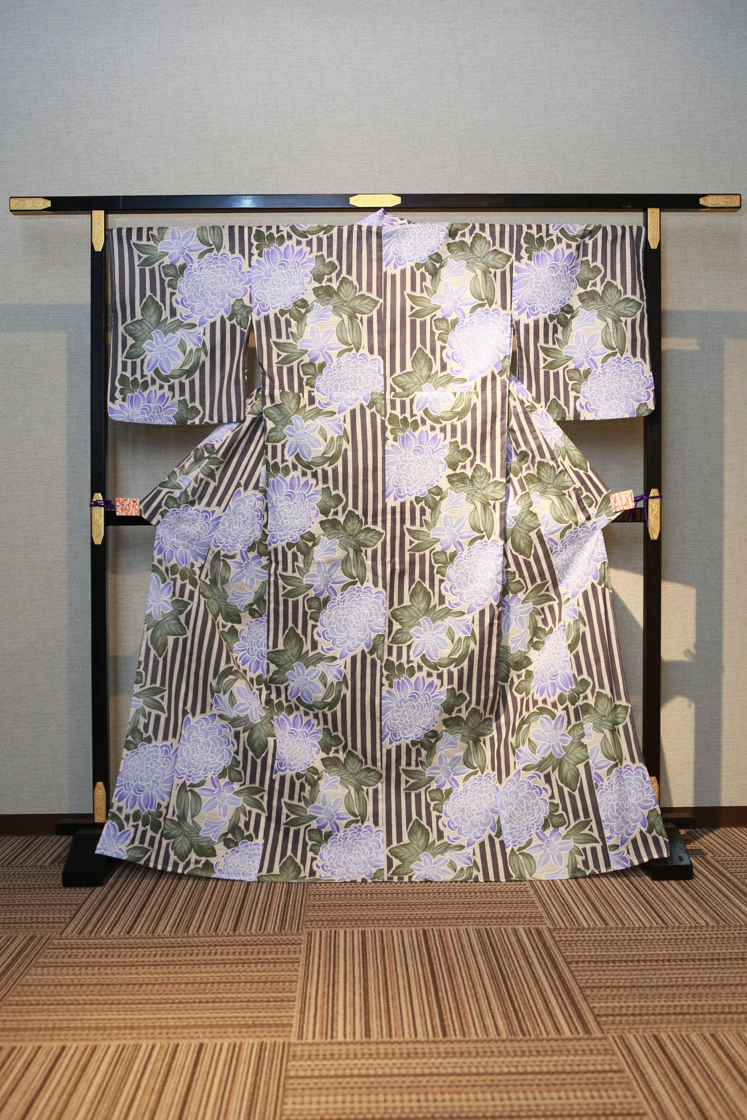 白 縦縞 花柄菊 レンタルゆかた 高級綿絽